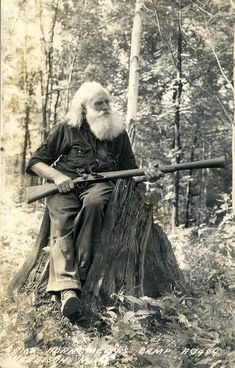 You don't need a beard to be a man but it does explain just what kind of man you are. Beard on brothers and respect the beard with the finest beard care products on the market. Check out the link up in the bio. Old Pictures, Old Photos, Vintage Photos, Beard Pictures, Great Beards, Epic Beard, Going Gray, Beard No Mustache, Mountain Man
