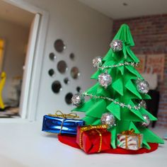 ♥ Miss Cutiepie Inspiration - Freebies & Inspiration ♥: Lundby christmas dolls house makeover!