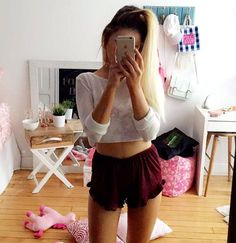 ootd + my room not really in order emma verde Emma Verde, Ootd, Photo Instagram, Gym Shorts Womens, Celebrities, Hair Styles, Comme, Youtubers, Outfits