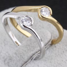 Full Size Cute Jewelry Round Copper Finger Ring Inlay White Zircon Two Colors