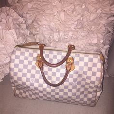 Speedy 35 Louis Vuitton bag Great condition authentic bag... Comes with duster bag! Louis Vuitton Bags Travel Bags