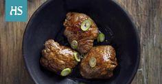 Pyöräytä riisipallo naudanfileeseen. Baked Potato, Entrees, Potatoes, Baking, Ethnic Recipes, Food, Lobbies, Potato, Bakken