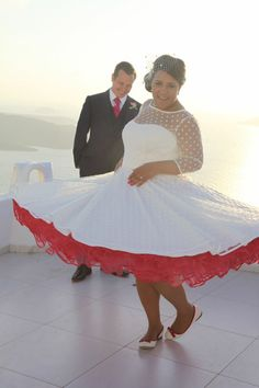 If you're looking for an unconventional wedding dress, colored tea-length wedding dresses would be your faves. Look at the ideas below to find the best dress for your vintage wedding. Polka Dot Wedding Dress, Tea Length Wedding Dress, Wedding Dresses Plus Size, Wedding Bridesmaid Dresses, Colored Wedding Dresses, Plus Size Wedding, Wedding Gowns, Rockabilly Wedding Dresses, 50s Wedding