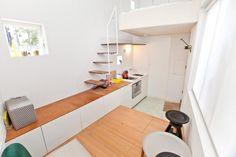 Kleinste huis ter wereld is in Nederland gemaakt en verplaatst naar Londen. 1 gezin kan hier wonen op 12,8 vierkante meter.