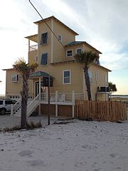 On the water! Kayaks, bikes, beach chairs, etc incl GOLF CARTVacation Rental in Navarre Beach from @homeaway! #vacation #rental #travel #homeaway