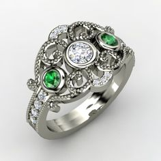 Gorgeousness! This is what I want my Mother's ring to look like! LOVE IT!