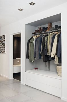 Garderobe Flur Spacious ideas for house interior design: curtains clothes rail ga # wardrobe # hallw Home Interior Design, House Design, New Homes, Interior Design, House Interior, House, Home, Teal Living Rooms, Home Decor