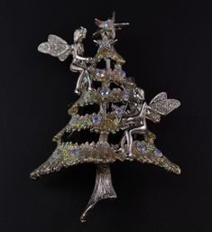 Kirk's Folly has amazing Christmas tree pins - this is a retired Fairy or Angel pin - has aurora pink stones and is shiny, bright and glitzy. Perfect mint condition and very wearable. All pins come in a black velvet bag. Jewelry Christmas Tree, Christmas Fairy, Christmas Nativity, Christmas Holidays, Christmas Trees, Merry Christmas, Vintage Costume Jewelry, Vintage Jewelry, Fairy Tree