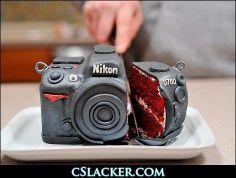 Mi torta de cumple, que tal devorarme una cámara fotográfica??