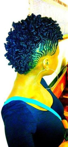 hi-imcurrentlyobsessed:   naturalhair:    Side braids with Mohawk Twist-out   (Previously blogged by:naturallymeashley:deborahclark)