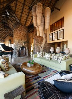 Common living room at Molori Safari Lodge in South Africa