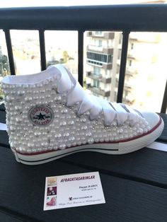 Very stylish and comfortable shoes with pearls You can choose your wedding dress or daily Please send a message for your inquiries Converse Wedding Shoes, Custom Converse, Wedding Heels, Pearl Shoes, Bling Shoes, Lace Sneakers, High Top Sneakers, Wedge Shoes, Shoes Heels