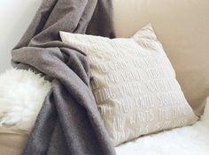 DIY-Anleitung: Kissen mit persönlicher Botschaft besticken via DaWanda.com