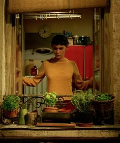 Amélie Amelie, Audrey Tautou, Love Film, Love Movie, Movies Showing, Movies And Tv Shows, Cinematic Photography, Film Aesthetic, About Time Movie