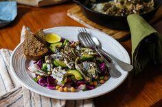 ΓΑΥΡΟΣ ΨΗΤΟΣ ΜΕ ΡΕΒΥΘΟΣΑΛΑΤΑ - Trata Greece Beef, Recipes, Food, Meat, Essen, Meals, Ripped Recipes, Yemek, Eten