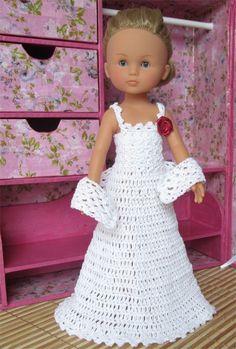 Patron d'une robe de mariée au crochet pour poupée