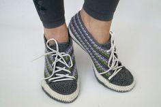 #Crochet Pattern Socks (Size 6-11) https://www.crazypatterns.net/en/items/13320/sneakers-crochet-pattern-size-6-11