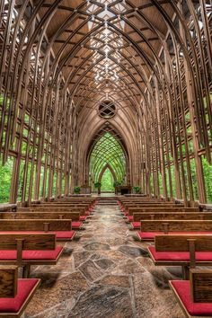 Chapel in the Woods, It is called ThornCrown Chapel nestled in the Ozark Mountains near Eureka Springs Arkansas, 48 feet tall with 425 windows and over 6,000 square feet of glass: click on the photo for a virtual tour!