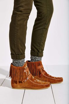 52 best Boots and Shoes images on Pinterest  1dac12ed55a