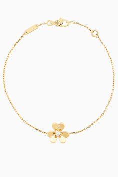 Свежие цветы в букете Van Cleef & Arpels | Украшения | VOGUE Van Cleef Arpels, Gold Necklace, Passion, Vogue, Jewelry, Gold Pendant Necklace, Jewlery, Jewerly, Schmuck