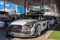 """Auf der diesjährigen SEMA ist er ein echtes Highlight: Der Audi S4 von """"Allroad Outfitters"""" macht mächtig einen auf Tourenwagen-Racer – mit Dachgepäck!"""