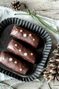 gingerbread bars with chocOlate icing