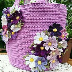 Crochet Collar Pattern, Crochet Earrings Pattern, Crochet Rug Patterns, Crochet Bunny Pattern, Crochet Motif, Knit Crochet, Crochet Handbags, Crochet Purses, Crochet Flower Tutorial