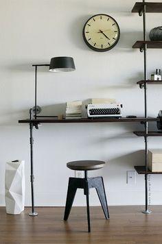 kontor-i-stuen-work-bolig-indretning-interioer-hjemmekontor-raat