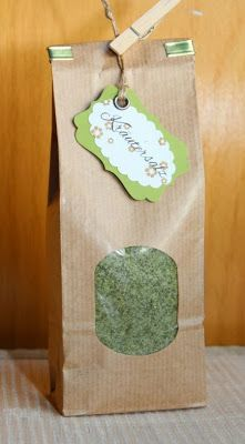 Dieses Kräutersalz habe ich mit frischen Kräutern gemacht und unterschiedlich abgepackt. Hier das Rezept: Zutaten 5 EL...