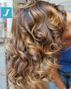 Ad ogni donna le sfumature che desidera _ Degradé Joelle  #cdj #degradejoelle #tagliopuntearia #degradé #igers #musthave #hair #hairstyle #haircolour #longhair #ootd #hairfashion #madeinitaly #wellastudionyc