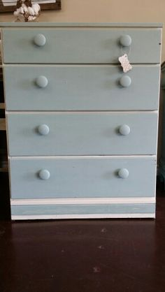Small distressed chest of drawers
