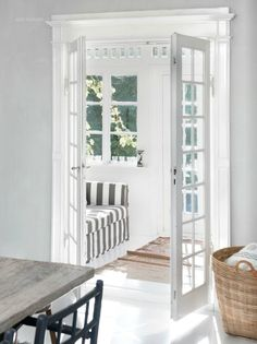 Kitchen design idea - Home and Garden Design Ideas French doors can open up a small room and make it feel spacious kitchen Scandinavian Style, Style At Home, 3 Season Room, Boho Deco, Boho Chic, Sweet Home, Living Spaces, Living Room, Cottage Living