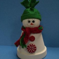 52 ideas flowers crafts for kids christmas Clay Pot Projects, Clay Pot Crafts, Holiday Crafts, Diy And Crafts, Crafts For Kids, Art Projects, Shell Crafts, Christmas Clay, Christmas Projects
