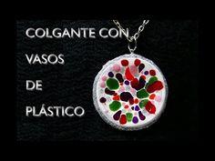 Colgate hecho con vasos de plástico