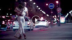 Deosebit! Un dans seducator si captivant realizat pe strada!