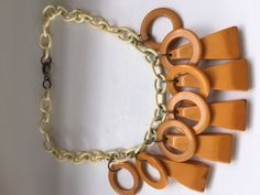 VINTAGE BAKELITE CIRCLES AND TRIANGLES NECKLACE