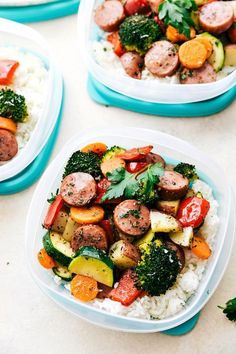 20 Healthy Dinners You Can Meal Prep on Sunday. 20 Healthy Dinners You Can Meal Prep on Sunday. Meal Prep Sunday is the hottest trend right now in health and fitness. Prep as many healthy meals as you Make Ahead Lunches, Prepped Lunches, Lunch Recipes, Cooking Recipes, Keto Recipes, Dinner Recipes, Cake Recipes, Healthy Recipes For One, Meal Prep Recipes