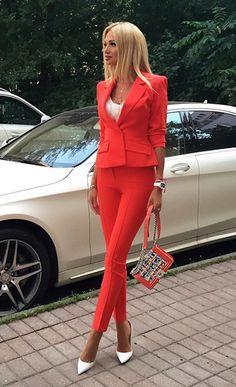 Ежемесячно читатели Woman.ru выбирают самых стильных российских звезд среди участников всевозможных светских мероприятий и голосуют за наиболее понравившиеся их образы.В конце года в модной битве сойдутся финалисты всех месяцев в шести номинациях: «Дневной шик», «Вечерний образ», «На пике моды», «Самый стильный аксессуар», «Самый стильный мужчина», а также «Стильная пара».Голосуйте за самых стильных!
