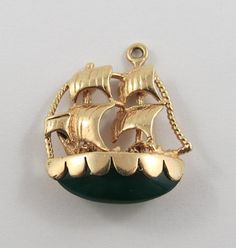 This is a vintage Ship With Jade Stone 14 karat gold charm for a charm bracelet. It weighs grams and measures 1 x 1 All charms come with a Vintage Charm Bracelet, Charm Jewelry, Pandora Bracelet Charms, Charm Bracelets, 14k Bracelet, Antique Jewelry, Vintage Jewelry, Indian Jewelry Sets, Jade Stone