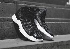 Premium Details On The Nike Hyperdunk Lux Black