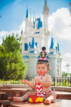 Disney's Magic Kingdom photo session - Disney smash the cake