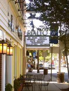 Rialto Theater of Westfield, Photo Credit: jglsongs (flickr)
