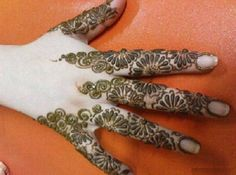 10 Easy and Beautiful Mehndi Designs For The Back Of Hand