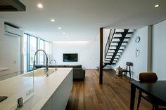 敷地の広さを活かした家・間取り(三重県) | 注文住宅なら建築設計事務所 フリーダムアーキテクツデザイン Simple Interior, Interior And Exterior, Downlights, House, Bathtub, Deco, Room, Environment, Interiors