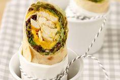 Wraps mit Huhn und Mango Fresh Rolls, Mango, Wraps, Ethnic Recipes, Food, Mascarpone Cake, Whole Wheat Flour, Play Dough, Oven