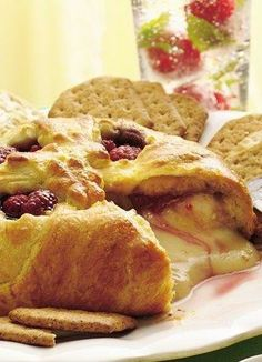 Raspberry Baked Brie #Holiday #Entertaining