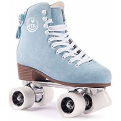 Bring back the feeling of the disco-boogie days when it all began with these BTFL Roller Skate Classics! These skates have a timeless design and resemble a classic figure skating look. Additionally, they feature some highlights. Retro Roller Skates, Roller Skate Shoes, Quad Roller Skates, Roller Derby Girls, Rollers, Disco Roller Skating, Roller Disco, Look Street Style, Skate Style