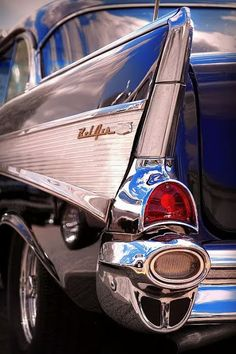 1957 Chevrolet Bel Air - Those fins! 1957 Chevrolet, 1957 Chevy Bel Air, Chevrolet Chevelle, Retro Cars, Vintage Cars, Antique Cars, Vintage Auto, Cadillac, Auto Gif