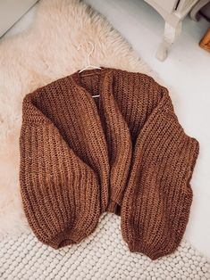 Joko, Tutu, Sewing Crafts, Knit Crochet, Diy And Crafts, Beanie, Sweaters, Cardigans, Embroidery