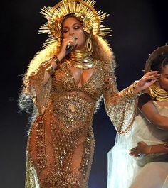 Beyoncé se apresenta no Grammy 2017 (Foto: Getty Images)